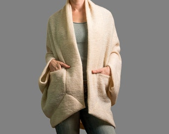 cardigan, Creamy cardigan off weit wool cardigan, sweater cardigan, sweaters,chunky wool cardigans, Yoga sweater, yoga off weit wool sweater