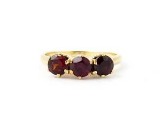 Vintage 14k Gold Garnet Ring | Garnet Three Stone Ring | Yellow Gold Garnet Ring | January Birthstone Anniversary Fine Jewelry | Size 5 Ring