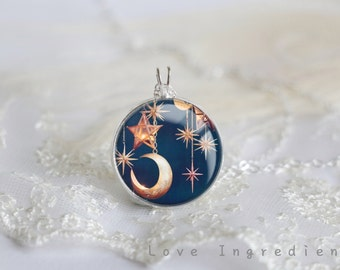 Moon and star Necklace, Silver Pendant Necklace, Resin Necklace jewelry, Moon Necklace ,Resin Jewelry,Pendant charm statement necklace N001