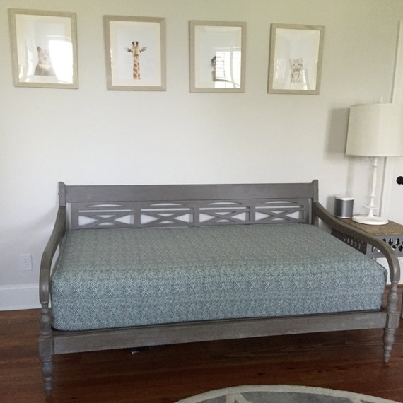 Fitted Daybed cover with CORDING/PIPING in twin twin xl