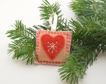 Felt Christmas ornament, Christmas heart, felt ornament, christmas decoration, christmas ornament, felt toys, christmas toys, felt heart