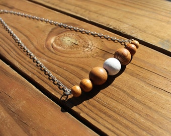 Re-loved wooden necklace