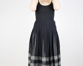 Vintage Pendleton Skirt | Wool Pleated Black Tartan | Cute High Waisted Skirt