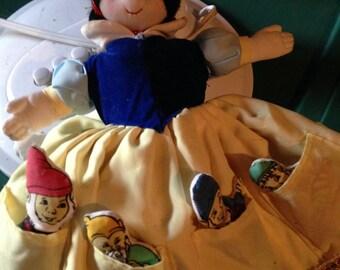 Vintage Snow White doll & tiny dwarfs with witch underneath