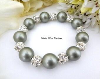 Green Pearl Bracelet Sage Bracelet Chunky Pearl Bridal Bracelet Sage Green Bridesmaid Jewelry Wedding Bracelet Mother of Bride Groom Gift