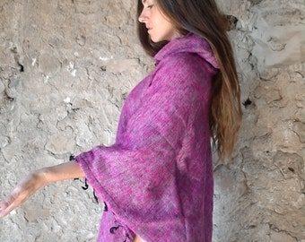 Pink poncho woman at capoche in yak wool