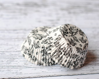 Vintage Black and White Damask Cupcake Liners (50)