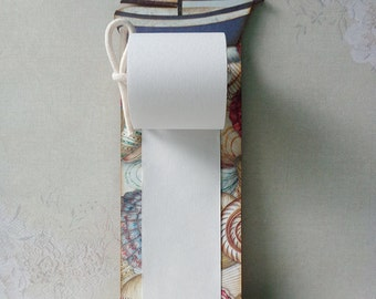 Hanging to do list notepad with boat and sea shells. Home, kitchen, office wall decor. Ready to hang.