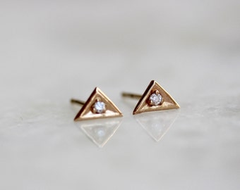14k Diamond Triangle Stud Earrinys, Solid 14k Gold Earring, Tiny Studs, Diamond Studs, Diamond Earrings, Conflict Free, Geometric Earring
