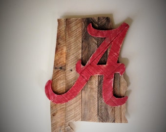 Alabama Crimson Tide decor, Alabama Roll Tide reclaimed wood wall decor, Alabama Crimson Tide Door hanger