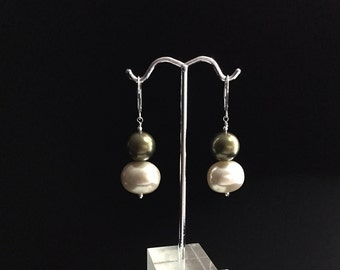 Reduced/Shell Pearl Earrings