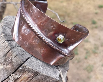 Foldformed Copper Cuff with Lime Green Peridot..............one of a kind cuff, august birthstone, unique handmade gift for Virgo or Leo