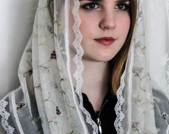 Evintage Veils~ Sweet Flowers and Vines Embroidered Lace Chapel Veil Mantilla Infinity Veil Latin Mass