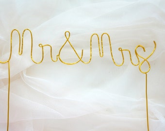 Gold Mr and Mrs Wedding cake topper, Mr and Mrs cake topper,  Gold cake topper, Rustic chic wedding, Calligraphy cake topper