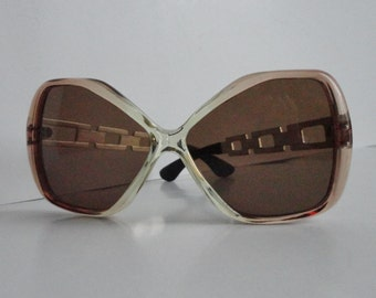 Amazing 70s Vintage Sunglasses With Metal Arms