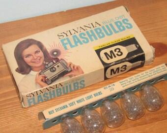 Vintage Sylvania Flash Bulbs M3 Blue Dot 5 Total with Box
