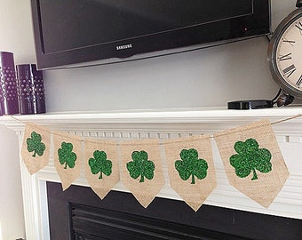 Shamrock Burlap Bunting Banner, St. Patrick's Day Decor, Holiday decor, Wall art, Rustic Holiday Decor, Irish Decor, Garland, Photo Prop
