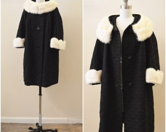 Vintage 1950s Black Woven Coat with Blonde Mink Cuffs and Collar | SZ S-M