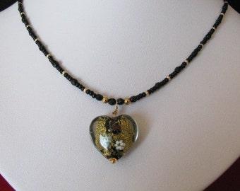 Necklace heart gold leaf