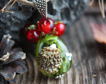 Lampwork pendant with hedgehog and berries, lampwork berry, glass beads, red berries, lampwork jewerly, forest animals pendant