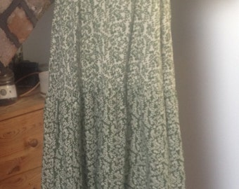 Vintage 1960s/70s, Folk floral festival Dress, size 10-12 (uk)