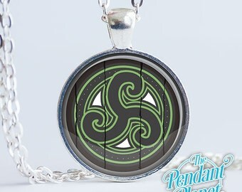 Hjaalmarch Shield Necklace Skyrim Jewelry, gifts for gamers, geekery, cosplay, gamers, gift for boyfriend, gift for girlfriend