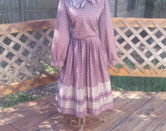Very Cute Vintage Dress in Brown with Eastern Floral Pattern, 1970s Hippie Era Dress size L
