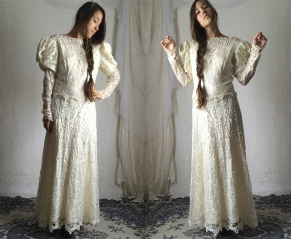 Cream Wedding Gown: 80s Cream Lace Wedding Dress // Vintage Puffy Long Sleeve