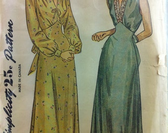 1940s Simplicity sewing pattern  2269 Women's nightgown