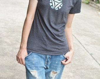 Blue circle symbol on t shirt short sleeve