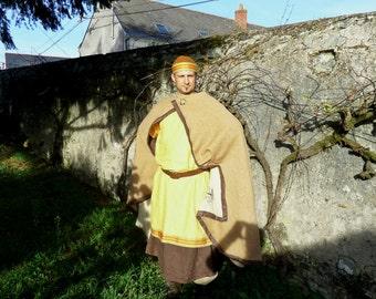 Medieval beige wool Cape
