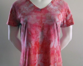 Snow Dyed Size Large V-Neck T-Shirt: Pink and Red