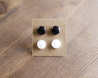 Duo - Minimalist stud earrings, smalls studs, small earrings, 2 colors