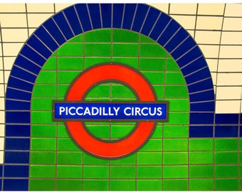 Piccadilly Circus underground sign