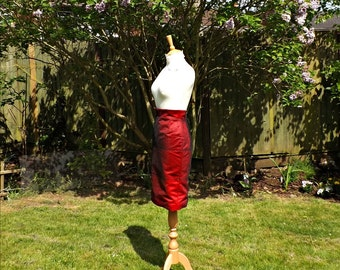 High Waisted Skirt, Formal Pencil Skirt, Knee Length Skirt, 50s Style Skirt, Formal Skirt, Formal, Womens Skirts, Red Satin Skirt, Evening.
