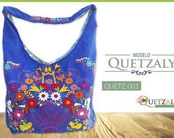 Hand-embroidered handbag model quetzaly