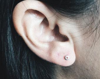 Minimal round ear stud with hole, Minimal ear studs, Round with whole earrings, Classic earrings, Cartilage ear studs, tiny studs (ES115)