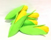 Felt food corn on the cob eco friendly children's pretend play food for toy kitchen, felt corn in a husk, felt corn with removable husk