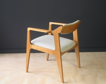 Modern side chair in oak and Divina Melange #120