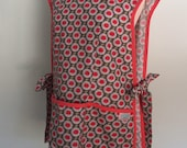 Gray and Salmon Pink Cobbler Apron with Daisy Flowers, Smock Apron, Full Coverage Apron, Riley Blake Cottage Garden Aster