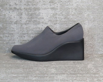 Vtg 90s Gray Iridescent Neoprene Stretchy Minimalist Wedge Shoes 6.5