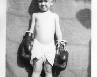 Vintage Photo..The Little Pugilist 1940's, Original Photo, Old Photo Snapshot, Vernacular Photography, American Social History Photo