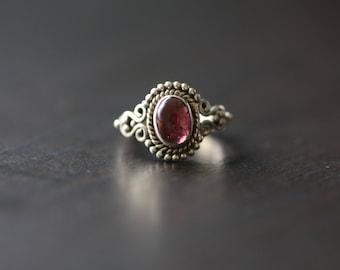 Garnet Ring, Handmade Garnet Ring Oval, Red Ring, Silver ring, 925 Silver ring, US6