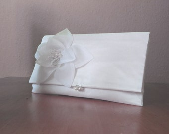 Bridal Bag / Clutch with silk lily white