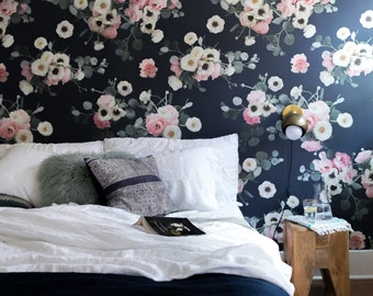 Midnight Floral Traditional Wallpaper - Prepasted & Removable