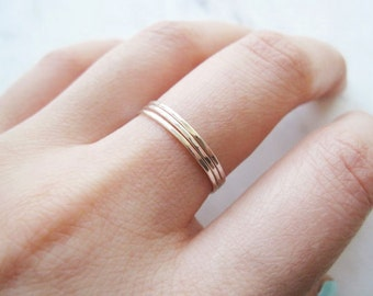 Thin hammered silver stacking rings, set of 3 //thin sterling silver rings, thin silver ring, silver stack, dainty rings, delicate stacking