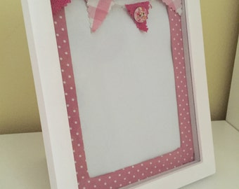 Spotty fabric pink frame