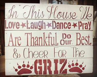 Your Sports Team 'In This House We Cheer' Wall Sign