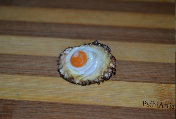 Polymer clay brooch Polymer clay food Egg brooch Food brooch Handmade brooch Handmade egg Clothes Accessories One of a kind brooch Fried egg