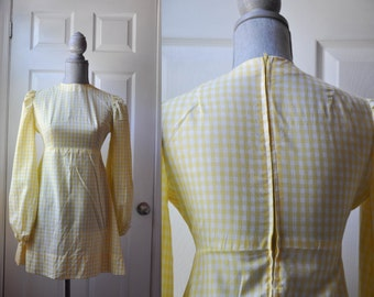 CLEARANCE SALE Vintage 1970s dress | pale yellow cotton checkered 70s dress • Pale yellow checkered mini dress
